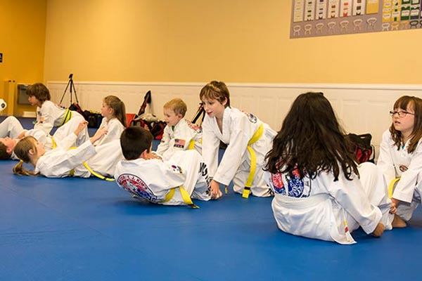 childrens-martial-arts-situps